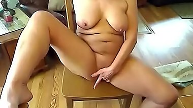 Do you like my beautiful mature pussy - camhooker69.com