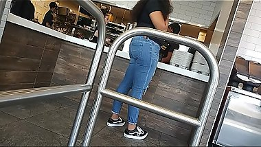 Young teen booty in jeans