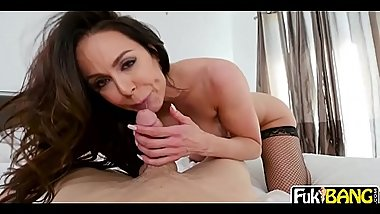 Kendra Lust Her Penetration On Theif Cock