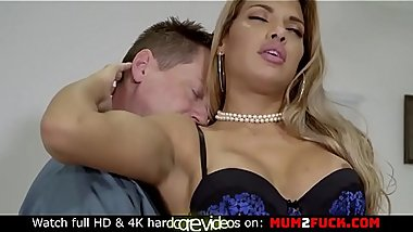 Beautiful Mercedes Carrera take fat cock in her yummy trimmed cunt