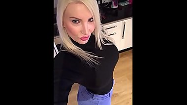 Tap this 46 inch ass  milf - TheCamStars.com
