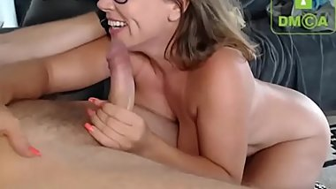 Horny Milf Gives Deepthroat to a Big Dick on iffycams.com
