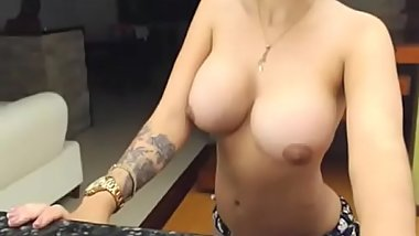 Nice babe giving a show - FREE REGISTER!! www.luxcam.tk