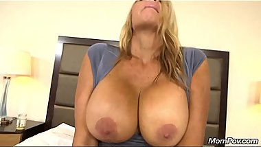 Thick Gilf Huge Boobs Big Ass POV Sucking Fucking Your Cock