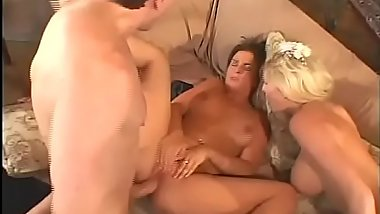 Bride-3some-BJ-Fuck-Licking-Facial-Cumshot
