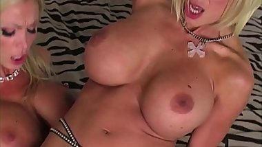 Busty Blonde Duo Nikki Benz &amp_ Puma Swede Dildo Bang Pussies!