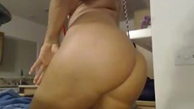 Busty webcam slut milf with huge ass shows her sling bikini [rhfreecamshow.tk]