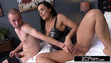 Big Tit Stepmom Lisa Ann Sucks Gives Her Stepson A Hand and Sucks His Cock